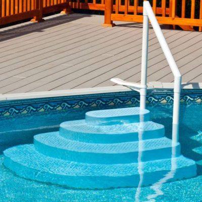 escada piscina cachorro