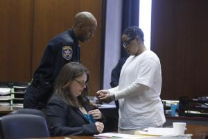 Mulher-é-condenada-a-quatro-anos-de-prisão-por-matar-cão-nos-Estados-Unidos-03